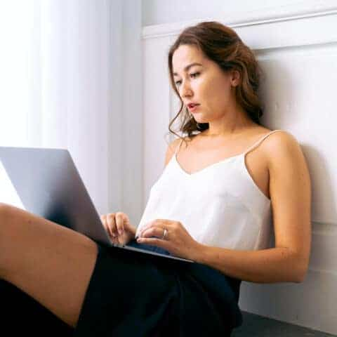 lady searching websites